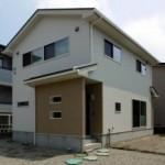 【 新築住宅 】安江2丁目   人気のリビング階段に一工夫の3LDK!